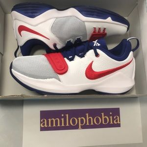 reputable site 310da 0e625 New Youth Nike PG1 (GS) Size 6.5Y white
